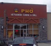Store front for Le's PHO Vietnamese Cuisine & Grill